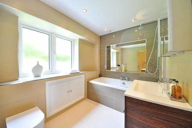 Claves para iluminar tu baño: juego de luces